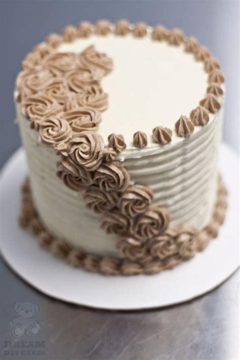 buttercreme kuchen buttercream cake a of cake