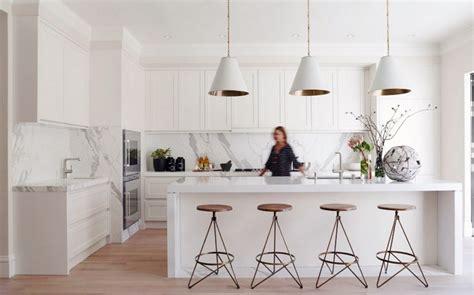 modern white kitchen backsplash 2018 wei 223 e k 252 chen k 252 chendesignmagazin lassen sie sich inspirieren