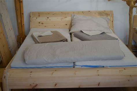 Bett Aus Zirbenholz by Zirbenholz Und Zirbenkissen Im Neuen Shop