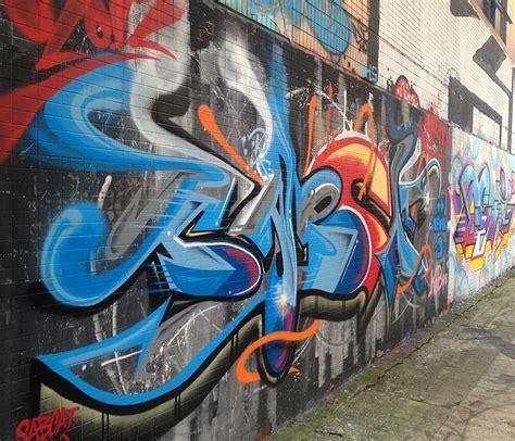 mongkoks graffiti wall  fame hong kong hustle