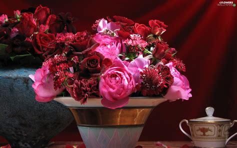 Bouquet Of Flowers In A Vase by Bouquet Vase Flowers Flowers Wallpapers 1920x1200