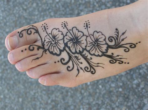 henna style foot tattoo henna design