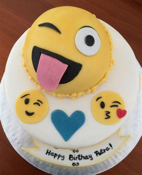 emoji cake 53 best images about emoji cake on pinterest smiley