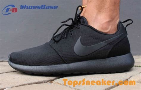 sell discount mens nike roshe run all black athletic