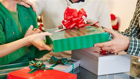 gift giving ideas for tight budgets gobankingrates