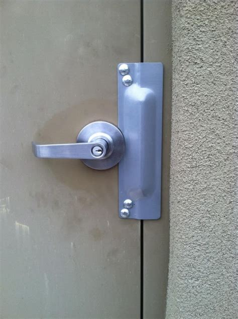 Security Door Latch by Security Weakness Easy Fix
