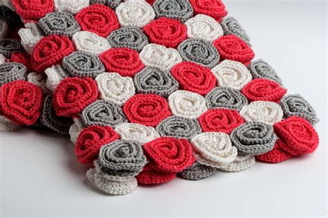crochet pattern rose field yarn twist