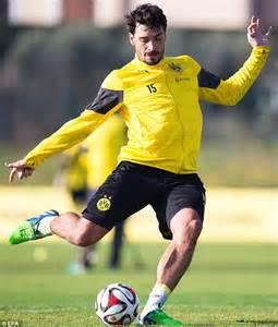 Mats Hummels News by Mats Hummels May Stay At Borussia Dortmund Despite