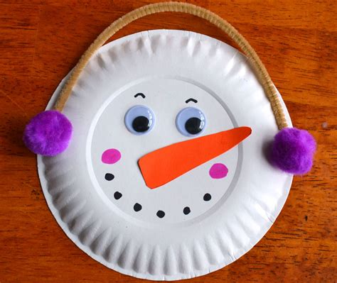 Winter Paper Craft - paper plate snowman garland winter craft snowman