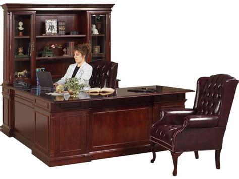 executive u shape office desk w right credenza kes 037