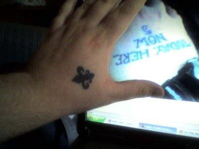 minimalistic fleur de lis tattooimages biz fleur de lis on tattooimages biz