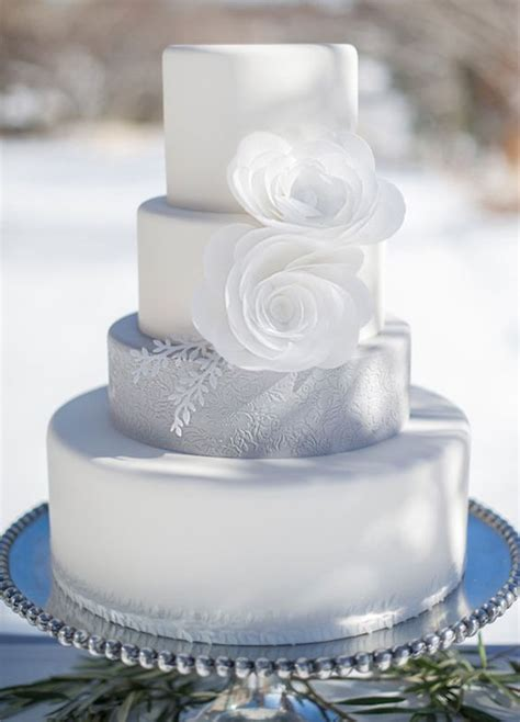 looking for wedding cakes 10 festive frosty winter wedding cakes we colin o