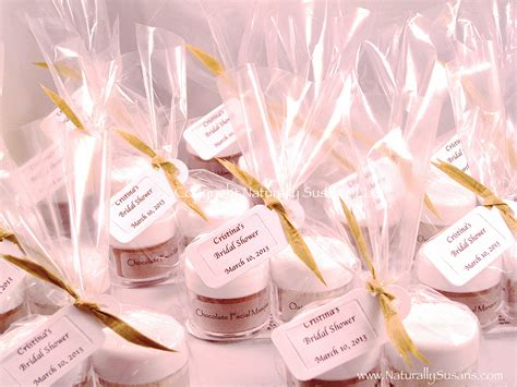 Wedding Shower Giveaways - bridal shower favors cake ideas and designs