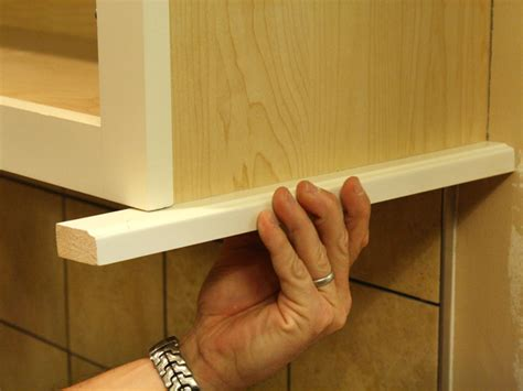 How To Install A Kitchen Cabinet Light Rail How To Install Light Kitchen Cabinets