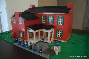 Lego conner house back