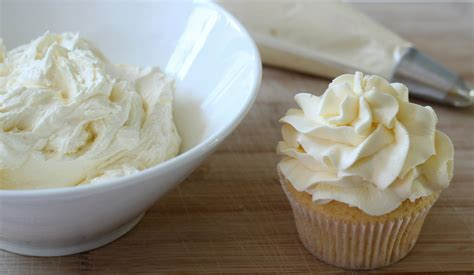 What Is The Best Buttercream Icing For Cake Decorating by Buttercream Icing Recipe How To Make Buttercream