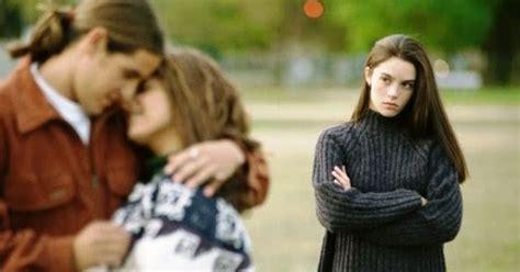 10 cara menghadapi pacar yang selingkuh daftarmenarik com