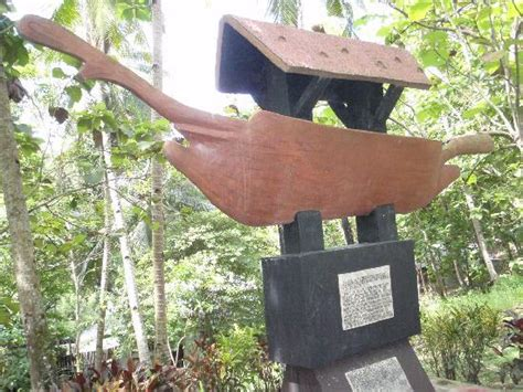balangay boat pictures balangay boat marker picture of balangay shrine museum
