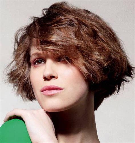 medium hairstyles wedge medium wedge haircut haircuts models ideas