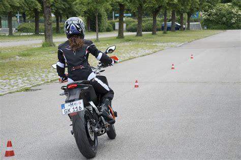 T V Ludwigsburg Fahrsicherheitstraining Motorrad 2016 by Dsc8490 Fahrschul Tv