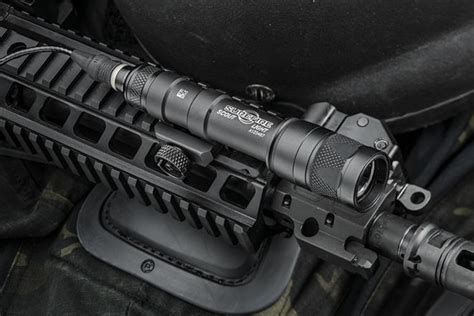 best surefire weapon light surefire m600u m600v scout led weapon light review