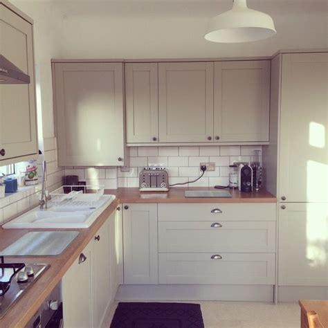 light oak kitchen units the 25 best ideas about kitchen units on