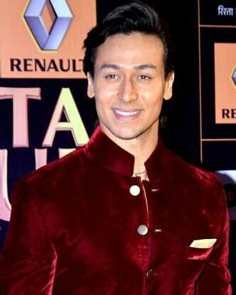biography of tiger shroff tiger shroff height weight age biceps size body stats