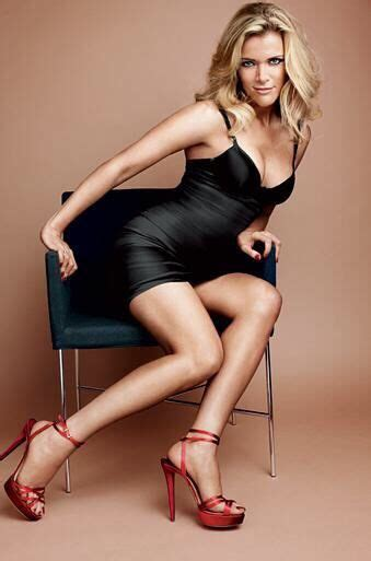 how foxs megyn kelly got to the top and why shes fox news megan kelly leggy in a little black dress and sky