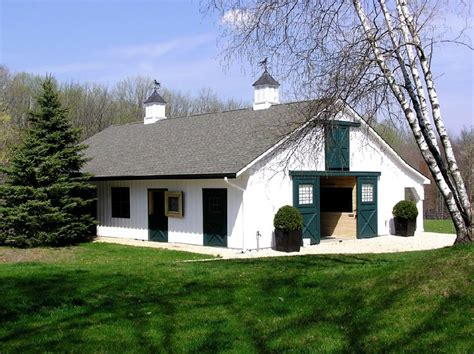 small barn pictures small barns my equestrian life pinterest
