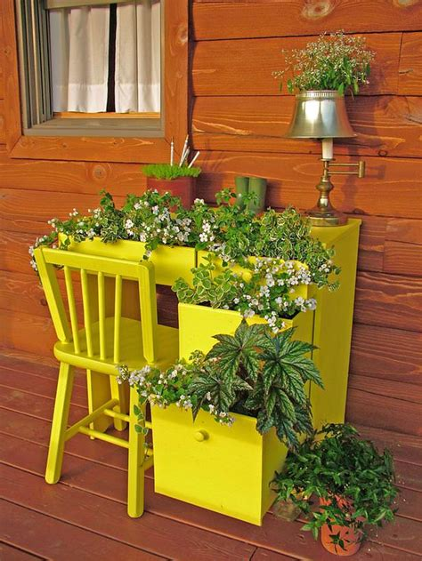 Plant Containers Outdoor 5 Ways To Make A Plant Container Into Garden The