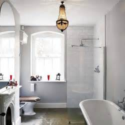 design labyrinth vintage white bathroom