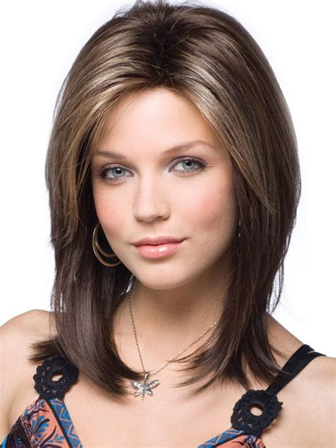 haircuts for oval face medium length best oval face hairstyles for women s medium hair oval