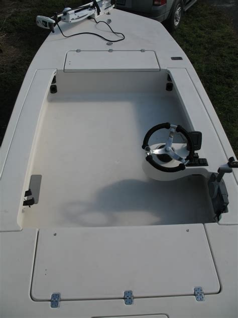 side console boats which is better side console or center console the hull