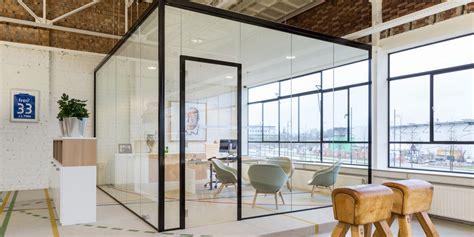 schiebetür glas in wand glazen wand glaswand verbeek rinzema interieurs
