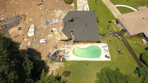 Where Are The Sink Holes In Florida by Florida Sinkhole Swallows Boat 2 Houses Others At Risk