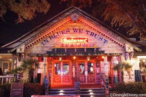 crossroads at house of blues top 10 best table service restaurants for those on a budget