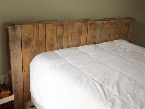headboard pallet sweet swan songs easy diy pallet headboard