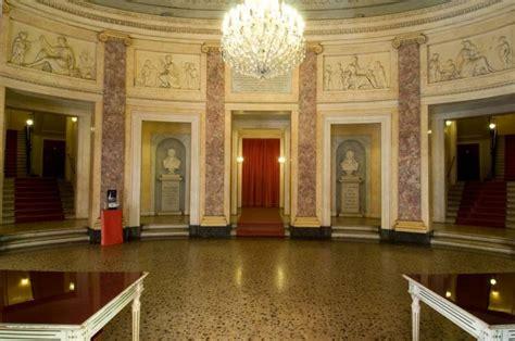 casa comunale bologna teatro comunale pavarotti 176 176 la guida di modena