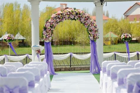 Wedding Arch Location by Arco Di Fiori Per Un Matrimonio All Aperto Letteraf