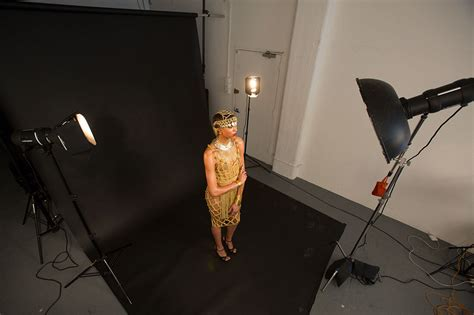 studio photography lighting setup create a golden glow effect in the studio with this 3