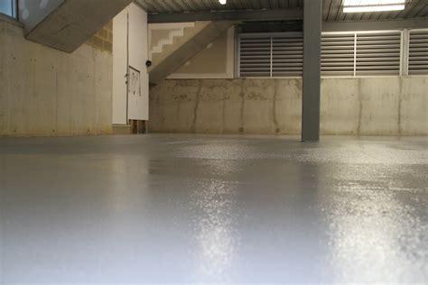 Textured Garage Floor by Garages Workshops