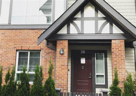 richmond  corner modern home takes centre stage