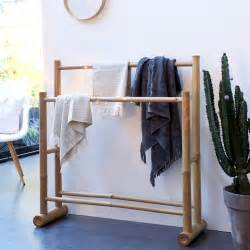 serviette de bain en bambou portant pour serviettes en bambou porte serviette naturel tikamoon