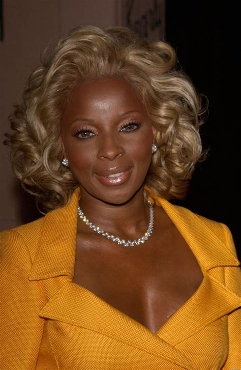 mary j blige hairstyle at the grammys mary j blige mary j blige high quality image size
