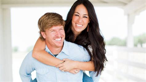 chip gaines crawford tx address chip and joanna gaines u0027fixer roof fixer u0026 flat
