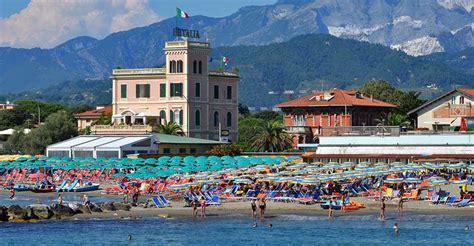 marina di massa marina di massa informazioni e immagini hotel italia 3