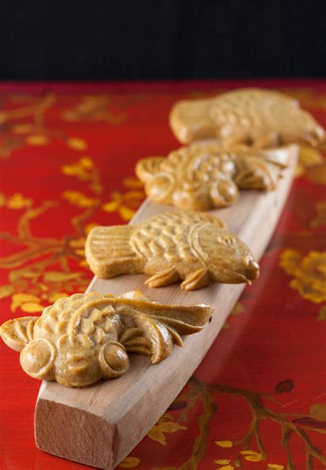 new year moon cake mooncake biscuit cookies sweet si bon