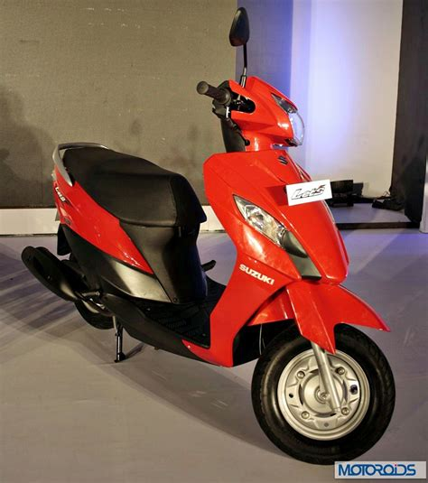 Suzuki Lets Scooter Suzuki Gixxer And Let S Sharper Images And More Details