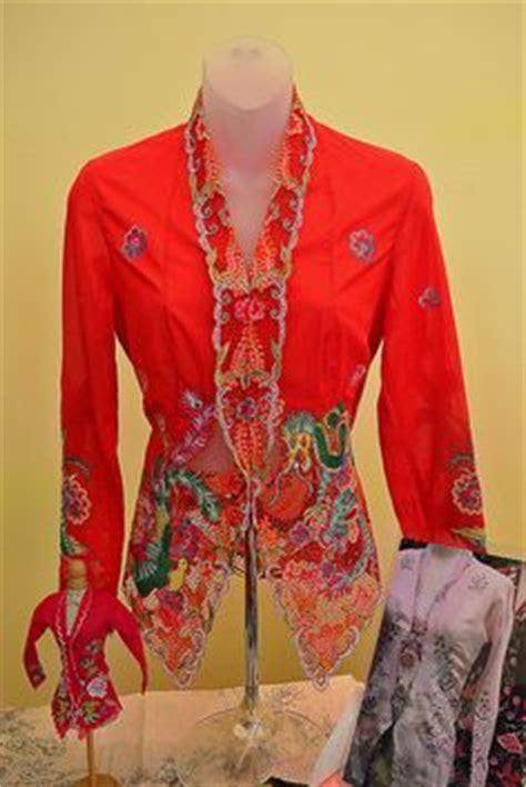 Set Kulot Swet Flower from robe to blouse and sarong kebaya kebaya