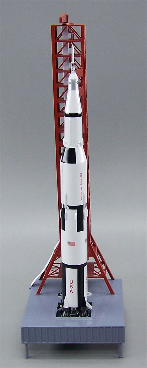 apollo saturn v model nasa apollo saturn v rocket on tower launch pad 1 200